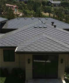 View our website page for a good deal more pertaining to this outstanding roof repair Facade House, House Shingles, Raised Deck, Kerala House Design, Kerala Houses, Roof Deck, Roof Repair, Dream Home Design, Metal Roof