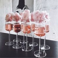 15 originelle Ideen für den Sektempfang - Hochzeitskiste You are in the right place about alcholic Drinks Here we offer you the most beautiful pictures about the Drinks alcool you are looking for. Wedding Boxes, Wedding Ideas, Food And Drink, Rose Drink, Treats, 30th Birthday Decorations, 21st Birthday Cakes, Birthday Brunch, Drink Recipes