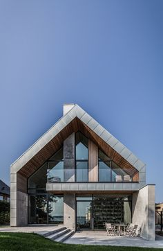 Image 1 of 18 from gallery of Villa P / Nørkær+Poulsen Architects. Photograph by Patrick Ronge Vinther