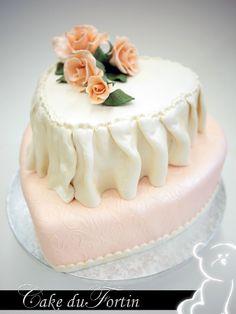 Sinds 1975 besteedt Cake du Fortin veel aandacht aan het verfijnen van zowel de kunst van het decoreren als de recepten van haar taarten en vullingen. Door de beste ingredienten te gebruiken wordt de beste kwaliteit bereikt. En dat proef je. Cake du Fortin is gespecialiseerd in o.a. bruidstaarten, kindertaarten, suikerwerk en hartige hapjes. www.cakedufortin.nl