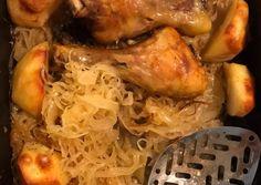Savanyú káposzta ágyon sült fűszeres csirkecombok burgonyával | lulemy receptje - Cookpad receptek Jamie Oliver, Chicken, Meat, Food, Essen, Meals, Yemek, Eten, Cubs