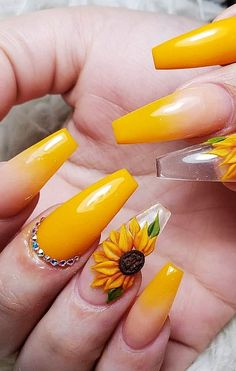 42 Acrylic Nail Designs Of Glamorous Ladies Of The Summer Season. Picture number 22 If you like flashy nails, you should check out our thumbnail gallery We are sure of the acrylic nails in oval, square, stiletto and almond s Neon Yellow Nails, Bright Summer Acrylic Nails, Yellow Nails Design, Yellow Nail Art, Best Acrylic Nails, Pastel Yellow, Black Nails, Acrylic Nails Yellow, Acrylic Nails Stiletto