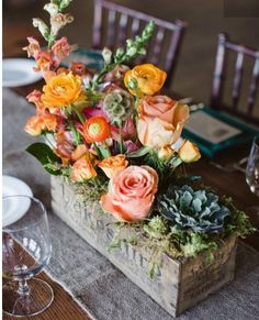21 Wedding Centerpieces That Will Totally Inspire You - Floral arrangement in vintage cheese box - Orange Centerpieces, Rustic Wedding Centerpieces, Wedding Table, Wedding Decorations, Table Decorations, Centerpiece Ideas, Garden Wedding, Flower Box Centerpiece, Flower Decoration