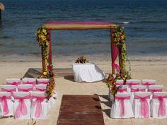 destination wedding set in the Riviera Maya Mexico. #destinationweddings #destinationwedding