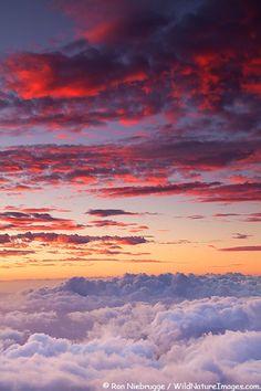 ✯ Sunset from near the top of Haleakala, Haleakala National Park, Maui, Hawaii //Manbo