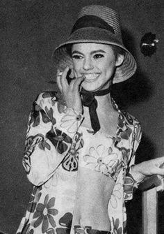 Edie Sedgwick THAT HAT!!!!
