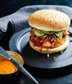 Korean fried chicken burger recipe - Dan Hong - Menu - Burgers and fries - Burger Fried Chicken Burger, Korean Fried Chicken, Tandoori Chicken, Burger Recipes, Chef Recipes, Cooking Recipes, Korean Burger, Fermented Cabbage, Fries