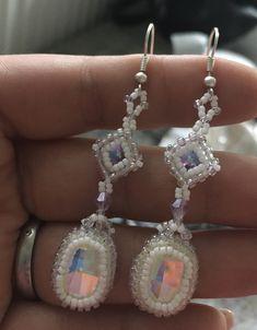 Ručně šité náušnice s kameny swarovski 💎💎💎 #swarovski #sperky #nausnice #beading #koralkovani Swarovski, Drop Earrings, Jewelry, Fashion, Jewlery, Moda, Jewels, La Mode, Jewerly