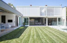 Herne+Bay+Villa+by+Gerrad+Hall+Architects