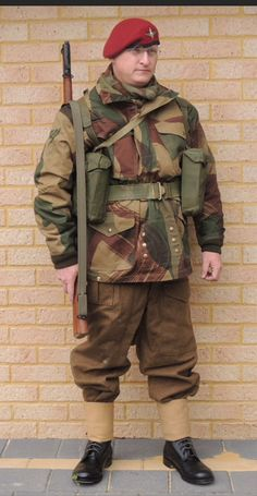 WW2 British Paratrooper with MK I No.3 rifle.