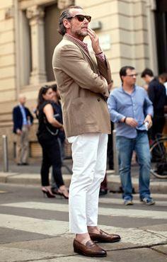 Alessandro Squarzi, Photographed in Milan Click Photo To See Dapper Gentleman, Dapper Men, Gentleman Style, Stylish Men, Men Casual, Best Mens Fashion, Men's Fashion, Fashion Design, Style Masculin