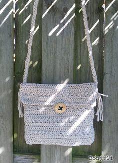 Een gratis Nederlands haakpatroon van een tasje gehaakt in de stersteek. Wil jij ook een leuk tasje haken? Lees dan snel verder over het haakpatroon. Animal Tracks, Beautiful Crochet, Gift Bags, Crochet Projects, Straw Bag, Pattern, Gifts, Diy, Crocheted Bags