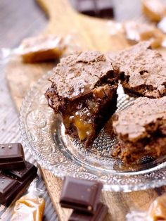 oeuf, farine, beurre, sucre de canne, crème fraîche épaisse, crème fraîche épaisse, caramel, chocolat