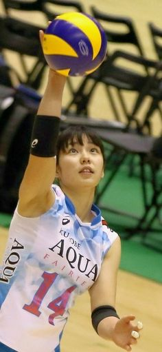 Female Volleyball Players, Women Volleyball, Hard Bodies, Sporty Girls, Japanese Beauty, Track And Field, Female Athletes, Olympic Games, Poses