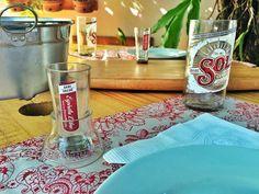 Shot de garrafa Sol Mexicana e reaproveitando o restante das partes cortadas, um suporte para o Shot! Além do Copo de garrafa a direita.