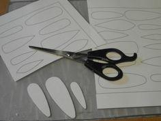 Plastifier une feuille avant de découper les gabarits