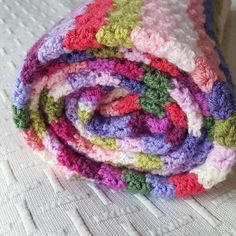 Virkkuumania: Virkattu Sweet Pea -peittoni Blanket, Crochet, Sweet, Candy, Chrochet, Rug, Crocheting, Blankets, Cover