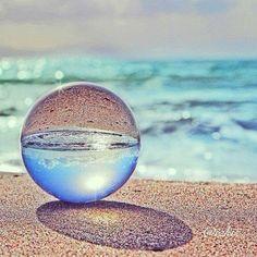 Glass Photography, Reflection Photography, Macro Photography, Creative Photography, Amazing Photography, Landscape Photography, Ocean Wallpaper, Nature Wallpaper, Jolie Photo