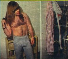 Page 2 Read Fotos from the story Curiosidades de Iron Maiden by Kissmaiden (WhenSteveHarrisSmiles) with 534 reads. Heavy Metal Rock, Heavy Metal Bands, Axl Rose, Art Metallica, Marilyn Manson, Korn, Iron Maiden Band, Where Eagles Dare, Lemmy Motorhead