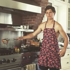 Ansel Elgort Couldn't Be More Perfect As He Shows Off His Cooking Skills… Shirtless! Ansel Elgort, Celebrity List, Celebrity Gossip, Shailene Woodly, Augustus Waters, The Fault In Our Stars, Cute Actors, Cute Guys, Sexy Men