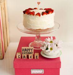 JORDGUBBSTARTA: TRADITIONAL SWEDISH STRAWBERRY CREAM CAKE