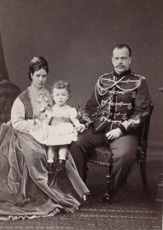 Nicholas with his parents Maria Feodorovna and Alexander III Tsar Nicolas Ii, Tsar Nicholas, Maria Fjodorowna, Christian Ix, Familia Romanov, Grand Duchess Olga, House Of Romanov, Alexandra Feodorovna, Imperial Russia