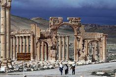 Syrie: lEI ordonne à 15 000 civils de fuir Palmyre