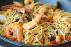 deniz mahsüllü makarna tarifleri - Google'da Ara Homemade Beauty Products, Spaghetti, Health Fitness, Dishes, Eat, Ethnic Recipes, Food, Greece Travel, Travel Guide