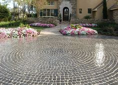 Cobblestone for front walkway grey and charcoal cobblestone – Front Yard İdeas Front Walkway, Front Yard Landscaping, Landscaping Ideas, Cobblestone Walkway, Pavement, Most Beautiful Pictures, Charcoal, Sweet Home, Home And Garden