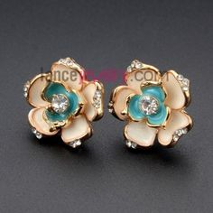 Sweet flower model earrings decorated with kc plating