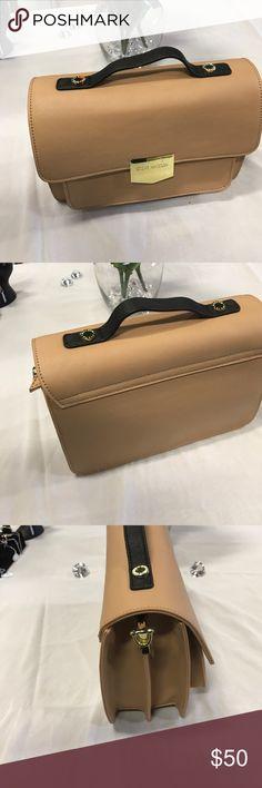 Authentic Steve Madden Hand bag! Show stopper 🔥Shiny brass taupe Steve Madden hand bag! Steve Madden Bags Shoulder Bags