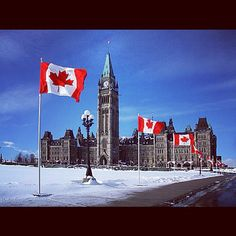 I was born and lived in ottawa for a short time. Parliament Hill in Ottawa, Canada Justin Trudeau, Great Places, Places To See, Amazing Places, Ottawa Tourism, Ottawa Ontario, Reportage Photo, Amazing Buildings, Largest Countries