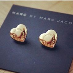 Gold and hearts. So cute.