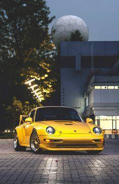 Porsche 911 on CarProperty.com