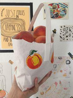collecт мoмenтѕ noт тнingѕ - ̗̀ aesthetic ~peach~ ̖́-