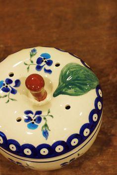 ボレスワヴィエツ陶器のリンゴポット http://arc-sept.jp/?pid=36801492