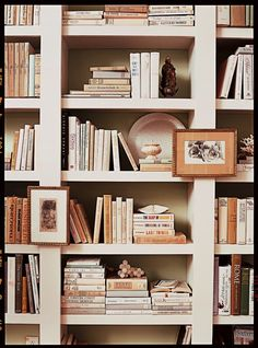 decorating book shelves