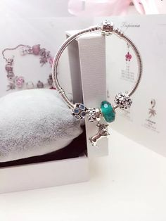 50% OFF!!! $159 Pandora Charm Bracelet Green White. Hot Sale!!! SKU: CB01778 - PANDORA Bracelet Ideas