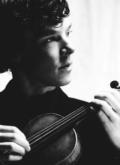 Sherlock and his violin Sherlock Tumblr, Sherlock Holmes 3, Sherlock Series, Sherlock Holmes Benedict Cumberbatch, Benedict Cumberbatch Sherlock, Sherlock Quotes, Sherlock Fandom, Sherlock John, Jim Moriarty