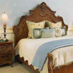 antique french louis xvi walnut bedroom set online antique store antique bedroom furniture wwwinessacom antique bedroom furniture beds - Antique Bedroom Decorating Ideas