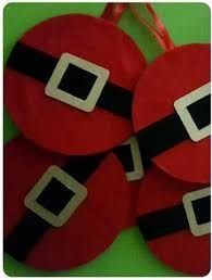 Resultado de imagen para como decorar un cd para navidad Felt Christmas Ornaments, Christmas Tag, Homemade Christmas, Simple Christmas, Christmas Decorations, Christmas Sewing, Christmas Crafts For Kids, Holiday Crafts, Recycled Cds