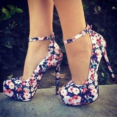 I personally cannot walk in heels whatsoever but these are adorable.