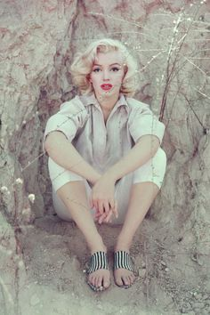 13 extremely rare photos of Marilyn Monroe. Click through to see them all.