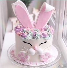 1st Birthday Cake For Girls, Birthday Cake Girls, Easter Bunny Cake, Easter Treats, Rabbit Cake, Spring Cake, Animal Cakes, Holiday Cakes, Girl Cakes