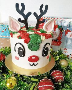 Special Offer🎄🎄🎄☃️ Christmas Reindeer Cake🦌🦌 Diameter 🎄 Orders and Paymenyt on December 2018 ☃️ Deliveries will be arranged… Christmas Themed Cake, Christmas Cake Decorations, Christmas Cupcakes, Christmas Sweets, Christmas Cooking, Christmas Candy, Raindeer Cake, Chocolate Dome, Painted Cakes