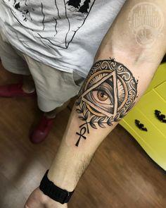 Trabalho realizado ontem em Bsb, primeira tattoo do cliente, obrigado por me confiar esse projeto e me dar liberdade na criação e aplicação do trampo!  #rataria #tattoo #blackwork #blackworkers #blackworkerssubmission #ttblackink #onlyblackart #theblackmasters #tattooartwork #inkstinct #inkstinctsubmission #superbtattoos #wiilsubmission #stabmegod #tattoos_artwork