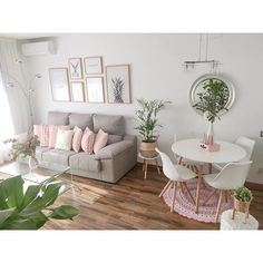 cool and fun living room decor to give family love in your lap Interior Design Living Room, Living Room Designs, Living Room Decor, Bedroom Decor, Small Living Rooms, Living Room Inspiration, Apartment Living, Home Decor, Sweet