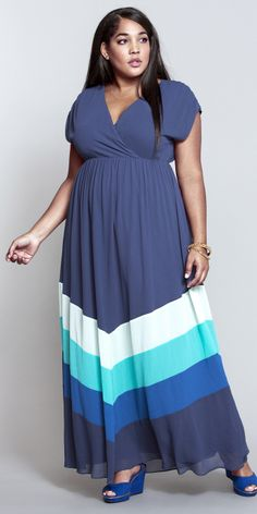 b7a64063c1299 We this chevron pattern in cool blue hues. Time for a beachside getaway!