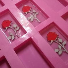 Just some papercut roses getting set in resin Rose Got, Clear Resin, White Gift Boxes, Beauty And The Beast, Paper Cutting, Silver Plate, Fairy Tales, Bubbles, Roses