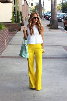 Nautical Theme: How to Wear Sailor Pants A nautical summer look never goes out of style we're loving this pop of canary yellow! The post Nautical Theme: How to Wear Sailor Pants appeared first on Summer Diy. Mode Outfits, Casual Outfits, Fashion Outfits, Fashion Clothes, Women's Casual, Womens Fashion, Fashion Trends, Spring Summer Fashion, Spring Outfits
